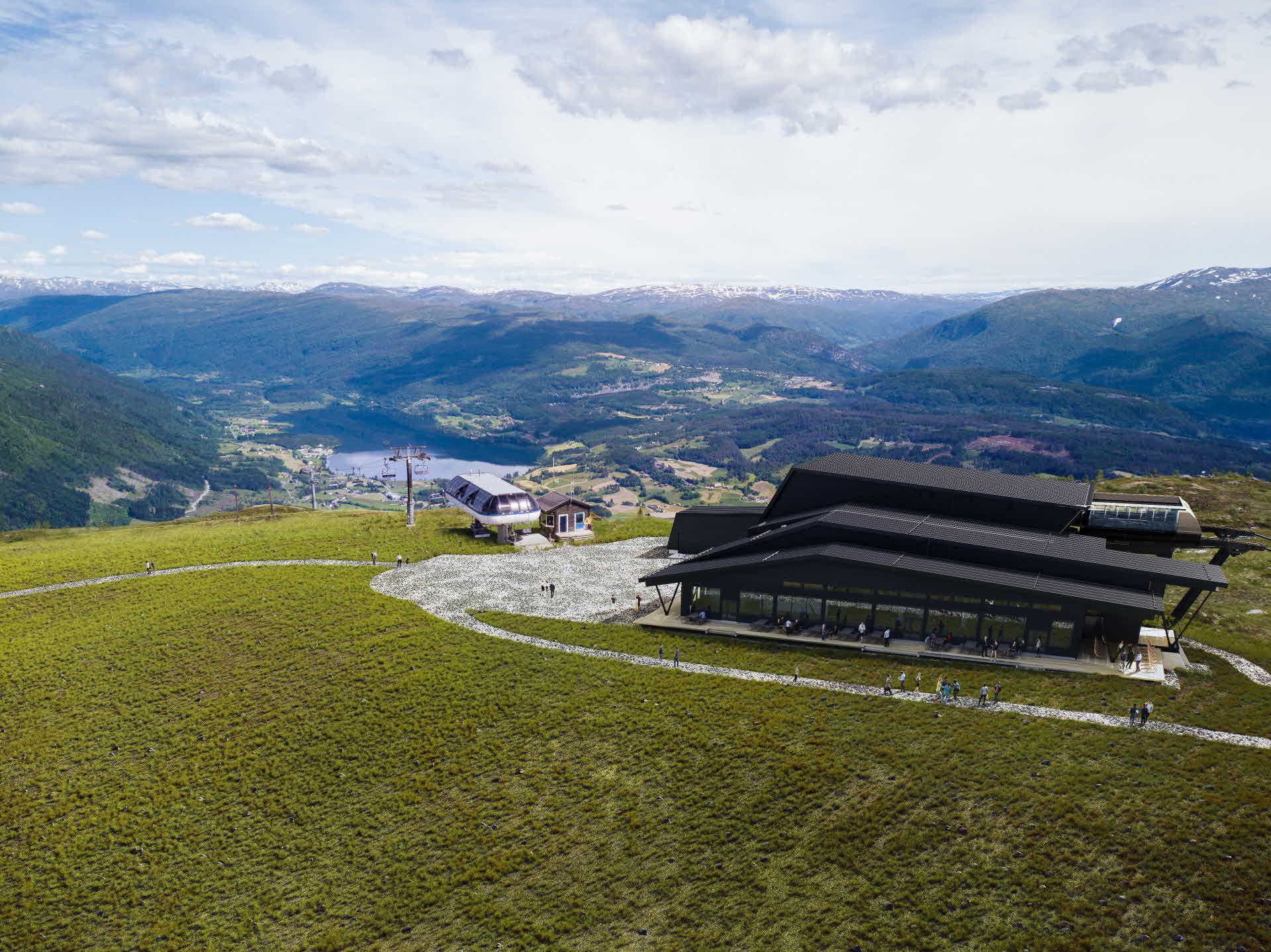 Toppstasjonen til Voss Gondol om sommeren sett fra Hangurstoppen (820 moh.) med utsikt over Voss.