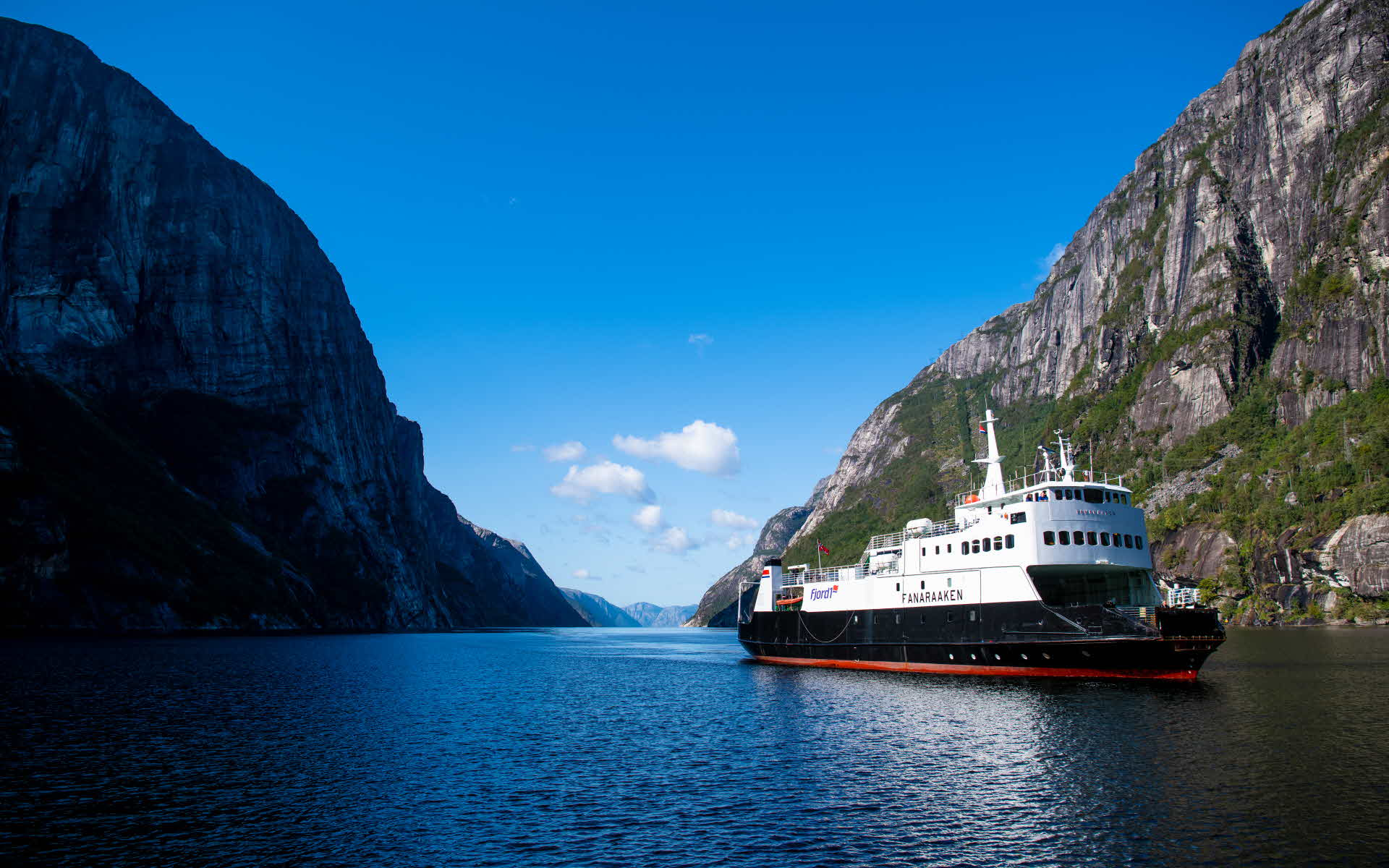 The coach ferry sailing the Lysefjord