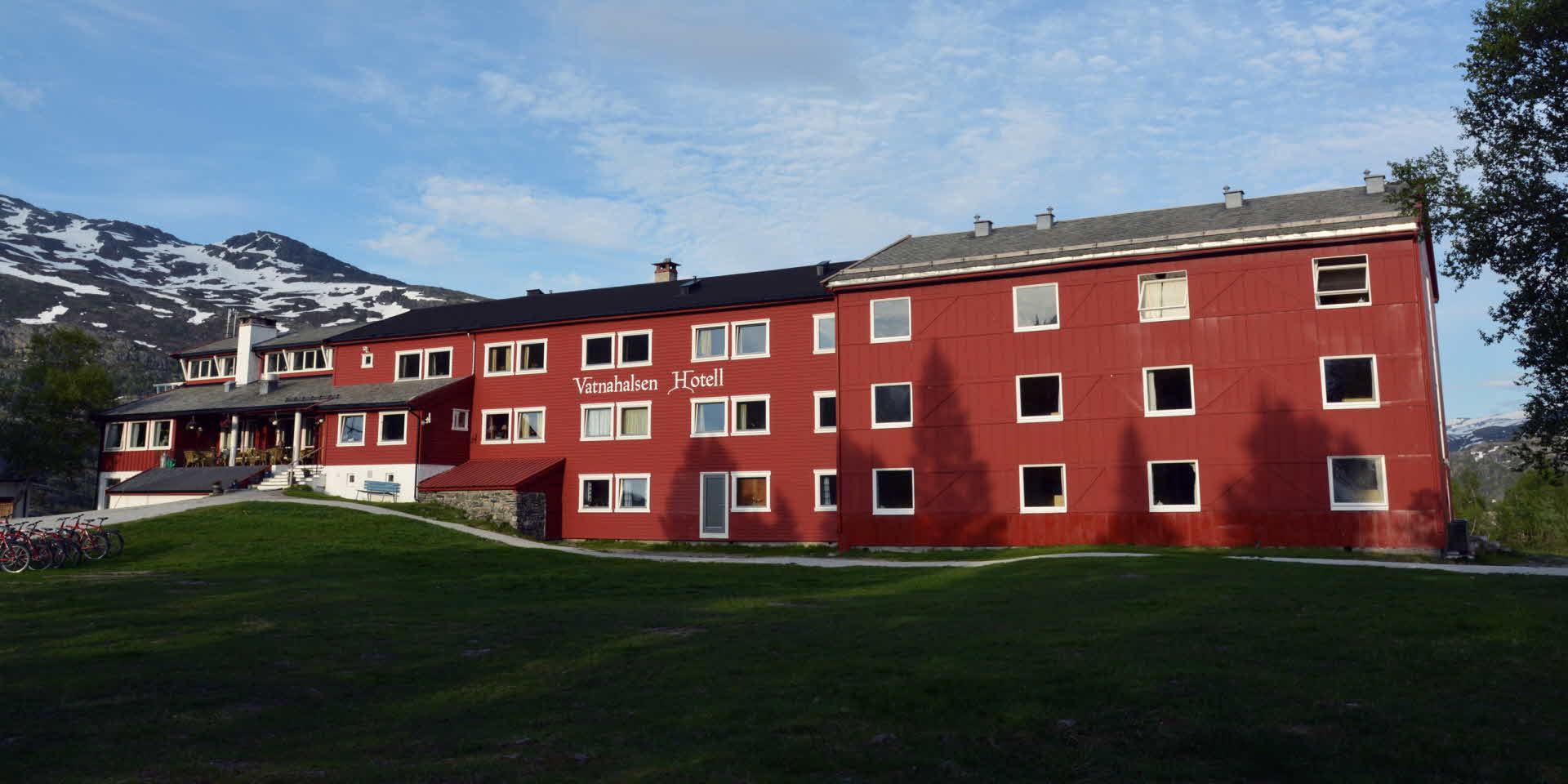 Vatnahalsen Hotel exterior in summer